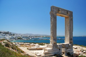 Gate-Portara-at-Naxos-port-Photo-by-S.-Lambadaridis